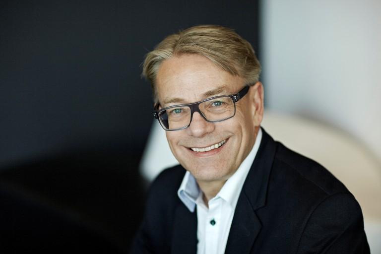 Reitangruppen etablerer et nytt forretningsområde, i form av investeringsselskapet Reitan Kapital. Selskapet skal ledes av Magnus Reitan. Johannes Sangnes overtar dermed som administrerende direktør i Reitan Convenience.