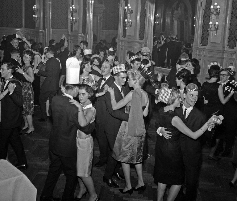 Fra nyttårsfeiringen i Speilsalen, Britannia. 3/1-1966